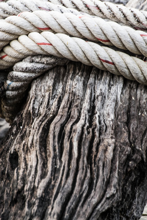 bonding rope: ropes on the wooden boat