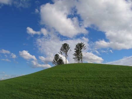 Green hill and blue sky (Australia, Victoria, Melbourne)