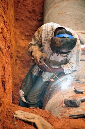 tuberias de agua: soldadura nuevas tuber�as de agua en india