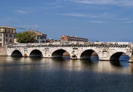 ponte: Ponte Di Tiberio in Rimini Italy. (Tiberius Bridge)