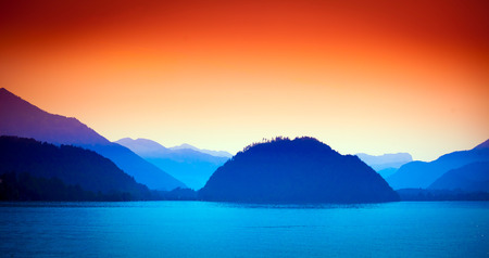 wolfgang: Wolfgang See lake view with Alps mountains on background, Austria Stock Photo