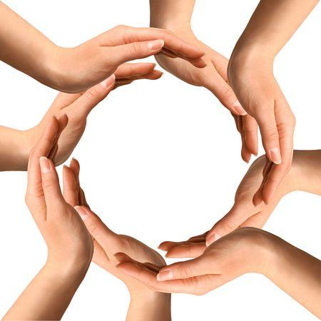 logo recyclage: Symbole conceptuel des mains humaines, faire un cercle sur fond blanc avec un espace de la copie au centre Banque d'images