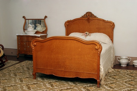 antique: Antique Bedroom