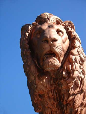 Metal lion statue 1, Zbiroh Castle, en R�publique tch�que