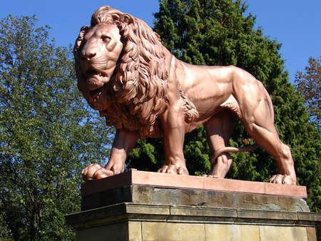 Metal lion statue 4, Zbiroh Castle, en R�publique tch�que