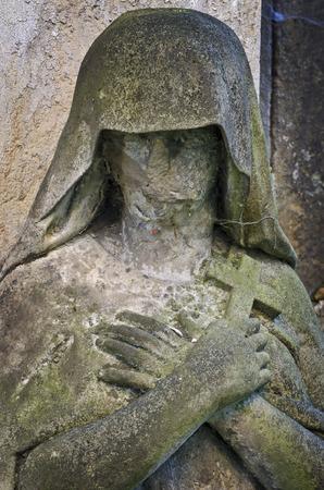 Deuil statue sans visage - vieux cimeti�re, Krasna Lipa, R�publique tch�que, Europe Banque d'images