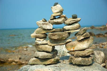enclosing: Saldo Rocks - Cairns - Rock pali trovato sulla riva del lago Michigan, Stati Uniti d'America. Archivio Fotografico