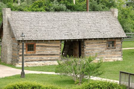 Historic log cabin in Kentucky, USA that was built circa 1770. Stock Photo - 483293