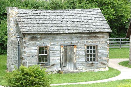 notable: Historic Log Cabin - Historic log cabin in Kentucky, USA that was built circa 1770.