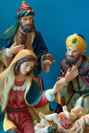 bewonderen: Kerststal - De wijze mannen bewonderen Jezus als Maria er op.
