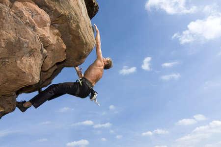 escalada: Rock climber Norbert Frank climbing at the Windstein - Vosges - France.