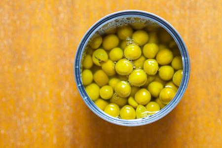 tinned: tinned green peas, close up Stock Photo