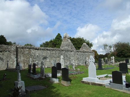 cemetry: Historic cemetry and church ruins at Dysart county Clare, Ireland