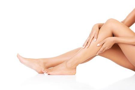 mujeres negras desnudas: Piernas de mujer. Closeup.Bodypart.Isolated en blanco.