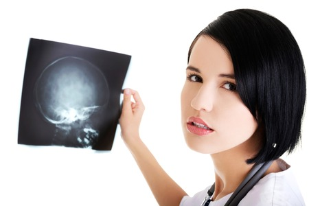 rentgen: Medical female doctor analysing x-ray image