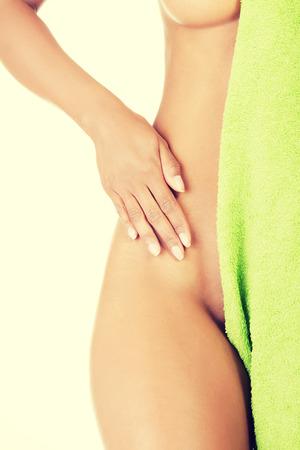 body shape: Forma del corpo giovane womans forma e sottile.