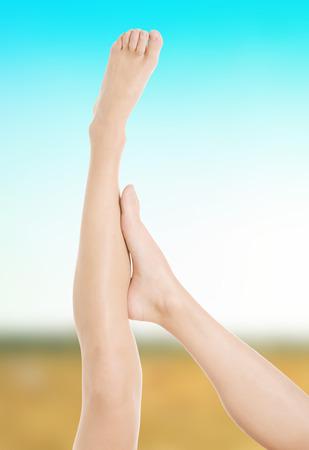naked woman: Красивые женские ноги после депиляции.