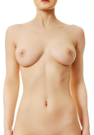 Schöne kaukasische Frau mit nackter Brust.