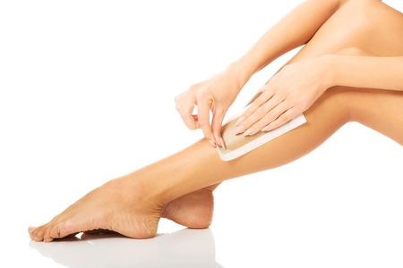 depilaciones: Mujer del balneario depilaci�n su pierna