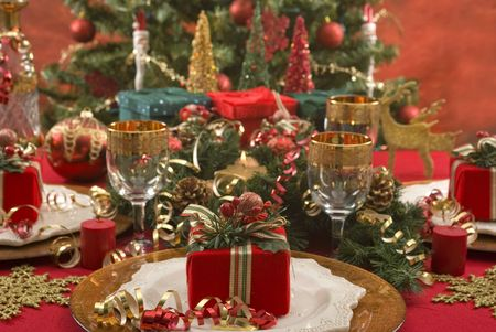 holiday dinner: Beautifully decorated Christmas setting Stock Photo
