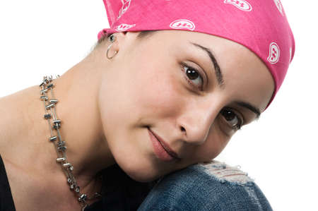 canc�rologie: Beautiful survivante du cancer du sein avec bandana (2 mois apr�s la chimioth�rapie)