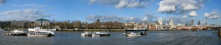Thames panorama with boats on the sunny day