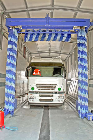 Big truck washes service with big brushes