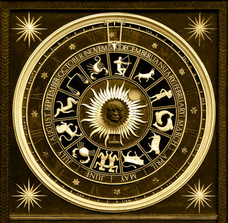 astrol�gico: Sephia zodiac reloj de oro con deatail y decoraci�n  Foto de archivo