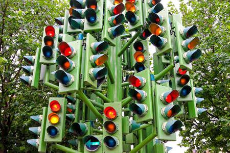 señales de transito: Lote de luces de tráfico en gran Polo