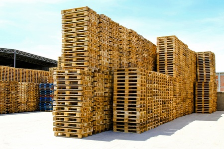 euro pallet: Transportation pallets for cargo and logistic at warehouse  Stock Photo