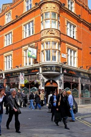 nags: Nags Head pub en Londres para uso editorial fecha 1932009