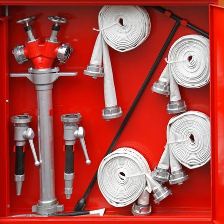 borne fontaine: équipement de combattants du feu dans la zone rouge