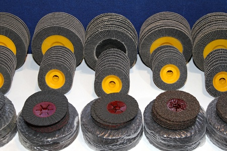 discs: New sanding discs in various dimensions and grades