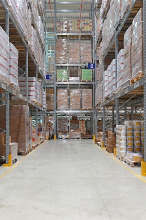 shelving: High shelving system in distribution warehouse