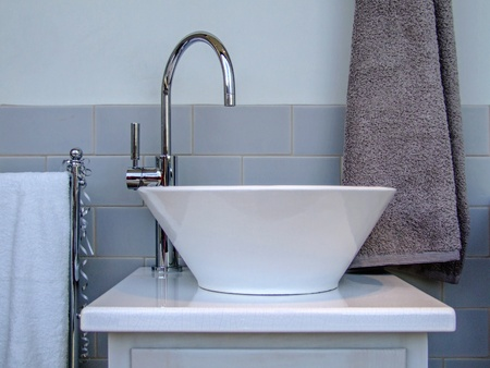 bowl sink: Ceramic bathroom sink in modern toilet