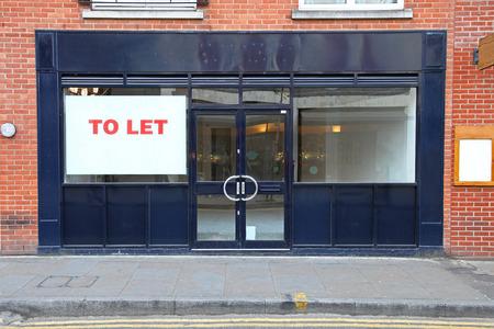 Libero negozio di vendita al dettaglio per lasciare a Londra