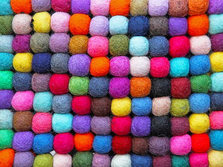 gomitoli di lana: Modello di palline colorate in lana