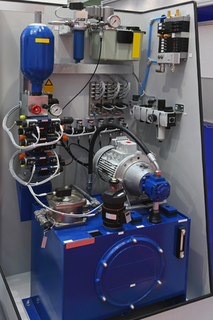 hydraulic: Hydraulic pump with equipment for factory production