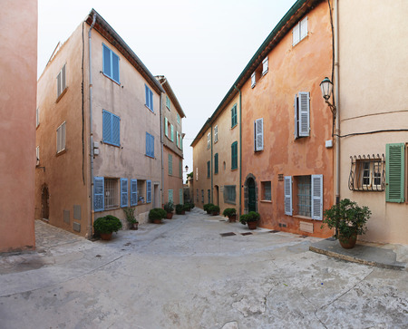 saint tropez: Small square with traditional houses in Saint Tropez Stock Photo