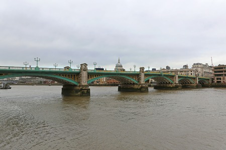 southwark: Southwark Bridge over Thames River in London