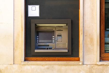 automatic transaction machine: Cajero automático cajero automático Foto de archivo