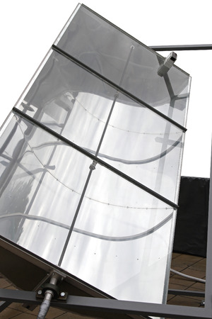 parabolic: Concentrating solar power unit with parabolic mirror