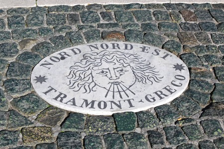 est: ROME, ITALY - OCTOBER 26  Plaque Nord Nord Est in Vatican on OCTOBER 26, 2009  Direction plaque Nord Nord Est Tramont Greco on Saint Peter Square in Vatican