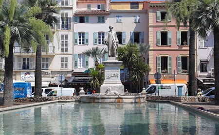 brougham: CANNES, FRANCE - JULY 12  Lord Brougham in Saint Tropez on JULY 12, 2013  Lord Brougham memorial statue in park in Cannes, France
