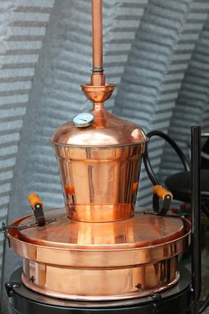moonshine: Copper still apparatus for distilling alcohol