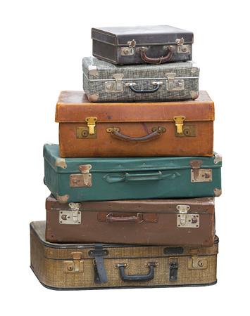 Stapel von Vintage Gepäck Koffer isoliert Beschneidungspfad enthalten