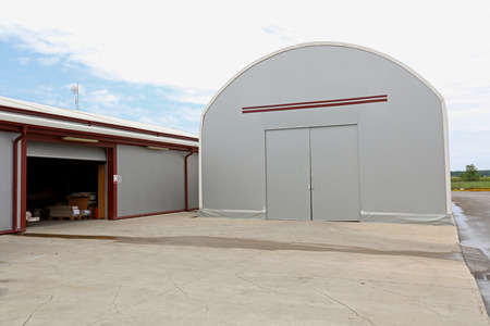 warehouse building: Portable warehouse building structure for temporary storage