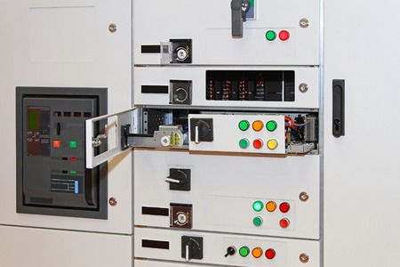 switchboard: Electric power control in rack cabinet