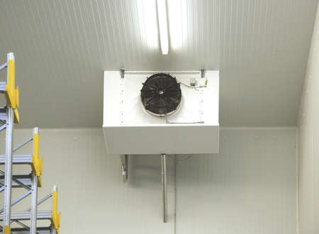 cooling system: Industrial Air Conditioner Refrigeration Cooling System in Warehouse