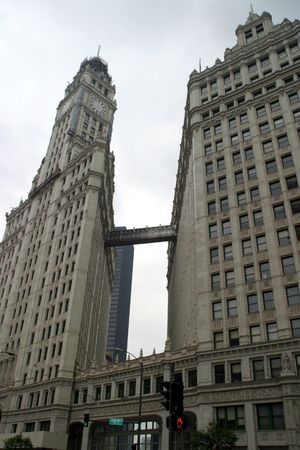 magnificent mile: Chicago - Footbridge - Along the Magnificent Mile on a cloudy day